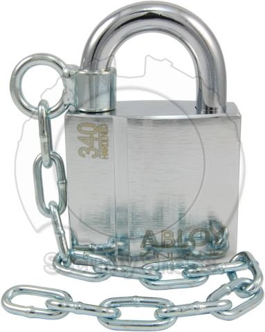 Abloy Padlock Mounting Chain Installed on PL340 Padlock